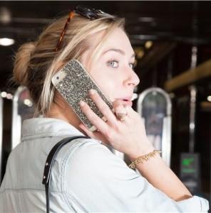 A cumpara sau nu o carcasa pentru iPhone 6?