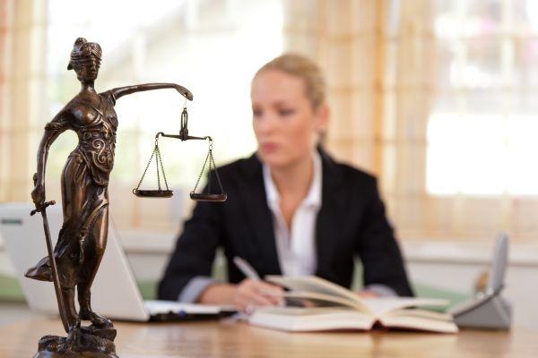 De ce sa iti iei un avocat pentru procesul tau?