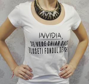 Ce sunt tricourile cu mesaje?