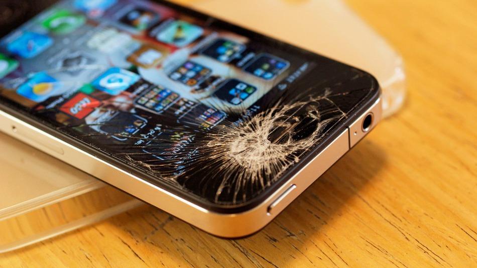 deteriorarea-touchscreen-ului-iphone-ului-fara-geam-de-protectie