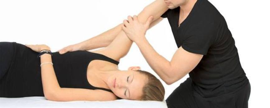 Atletii de elita depind de masajul sportiv