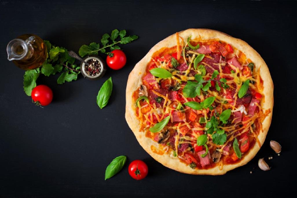 Sfaturi de eticheta pentru a manca pizza