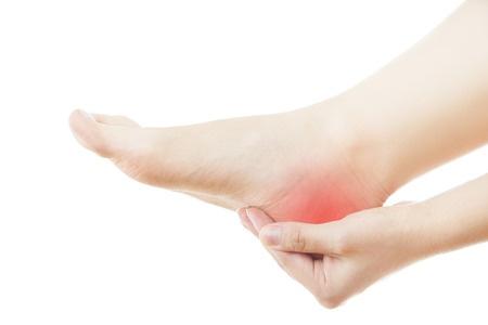 Cine poate beneficia de orteze pentru picioare personalizate?